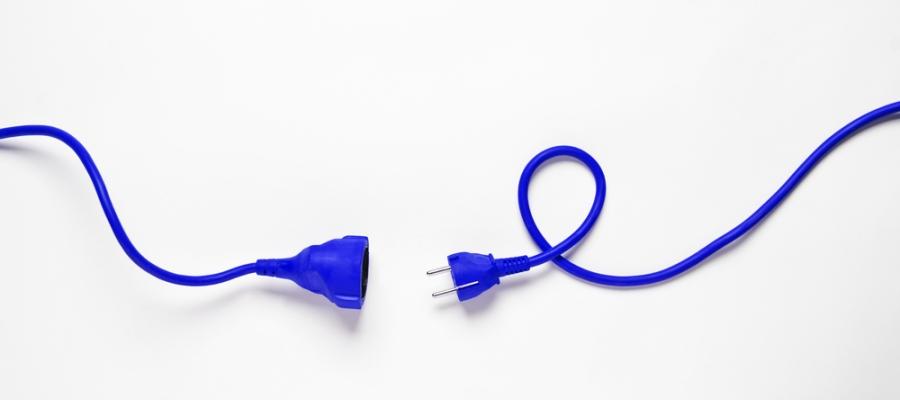 Blaues Verlängerungskabel